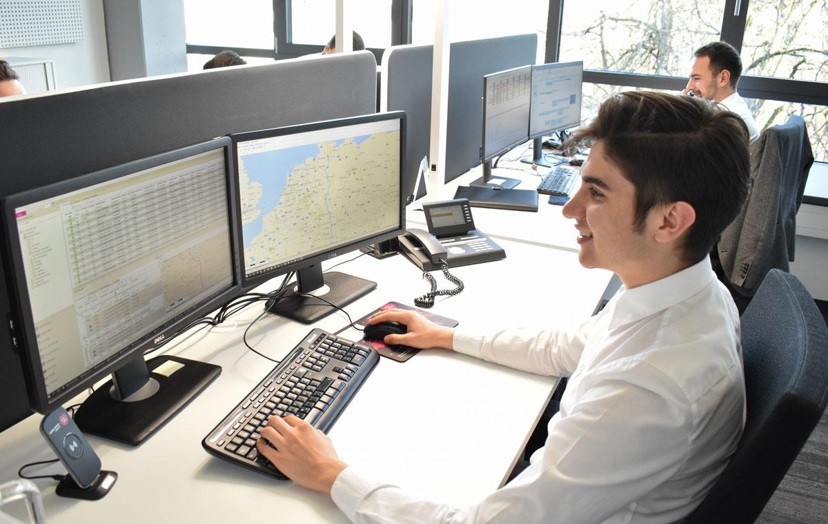 Azubi IT Systemkaufmann Karriere Soloplan Topjobs